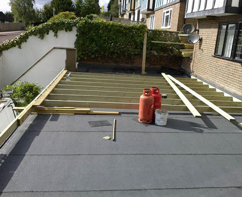Balcony and roof terrace decking c f roofing surrey for Balcony terrace